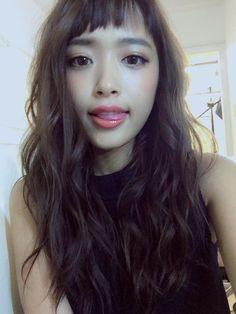 近藤千尋 on in 2019 Curly Asian Hair, Curly Hair Styles, Permed Hairstyles, Hairstyles With Bangs, Short Bangs, Hair 2018, Textured Hair, Hair Goals, Hair Inspiration