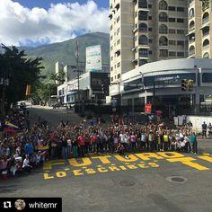 Foto de @whitemr Más claro imposible  Por ti   #venezuela #caracas  #trancazo #trancazoporlademocracia  #noalaconstituyente #ccs #caminacaracas