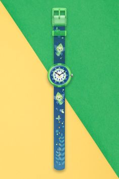 With its transparent neon green plastic case, this charming watch for children brings the gift of light into your nights. GLOWLINS has a textile … Design Show, Neon Green, Plastic Case, Bracelet Watch, Glow, Bring It On, Watches, Fairies, Imagination