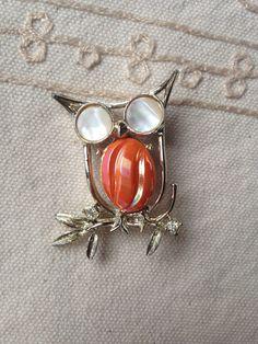 Owl brooch pin,  Owl pin, Owl, Owls, vintage owl brooch pin, orange brooch, vintage owl brooch pin, owl pin, owl brooch, owl jewelry by DuckCedar on Etsy