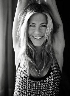 Jennifer Joanna Aniston -1969 en California. Actriz estadounidense, directora de cine y productora.   Me encanto en friends y mi novia polly :)