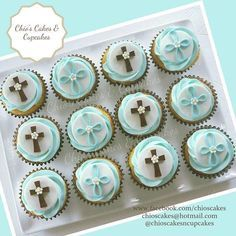 Baptism Desserts, Christening Cupcakes, Baptism Themes, Communion Cups, Holy Communion Cakes, First Holy Communion, Fondant Cupcake Toppers, Cupcake Art, Cupcake Cakes