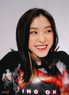 she so mf pretty and cute wtf Dream Challenge, Korean Princess, Gifs, Wattpad, Kpop Outfits, Aesthetic Pictures, Girl Humor, Korean Girl Groups, Kpop Girls