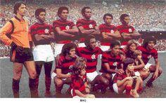 C.R. FLAMENGO (06/05/1973) - CAMPEÃO TAÇA GUANABARA (INVICTO) - MARACANÃ (RJ): FLAMENGO 1 X 0 VASCO. Em pé (da esq. p/ dir.): Renato, Moreira, Fred, Chiquinho, Liminha e Rodrigues Neto. Agachados: Vicentinho, Paulo César, Dario, Doval e Arílson.