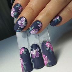 Ногтеманияк | Маникюр, ногти, идеи дизайна Fabulous Nails, Gorgeous Nails, Flower Nail Designs, Nail Art Designs, Cute Nails, Pretty Nails, Hair And Nails, My Nails, Manicure Nail Designs
