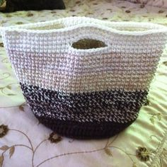Crochet ombré basket. This would make a great car bag for the kids.