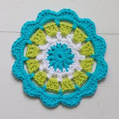 Signed With an Owl: Abstract Flower Motif No. 4 inch) - free crochet pattern by Kate Jenks. Love Crochet, Beautiful Crochet, Diy Crochet, Crochet Crafts, Yarn Crafts, Crochet Projects, Crochet Coaster, Crochet Mandala Pattern, Crochet Circles