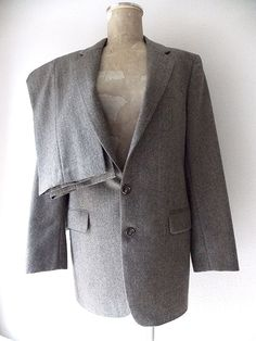 Ending Today!! Calvin Klein Wool Suit Size 38 2 Button Costume Vintage 80s Herringbone France #CalvinKlein #TwoButton