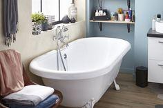Tablier associé en option:Non Pieds:Non fournis, en option . Bathtub Decor, Clawfoot Bathtub, Bath Tub, French Bathroom, The Expanse, Armoire, Sweet Home, House, Leroy Merlin