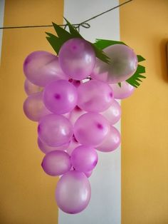 Wine Theme: Grapes DIY party decoration from balloons Diy Party Decorations, Balloon Decorations, Birthday Decorations, Balloon Ideas, Italian Party Decorations, Hanging Decorations, Balloon Garland, Diy Hanging, Wine And Cheese Party