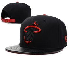 5cb91adcf8a Casquette NBA Miami Heat Snapback Noir Rouge Logo Casquette New Era Pas Cher