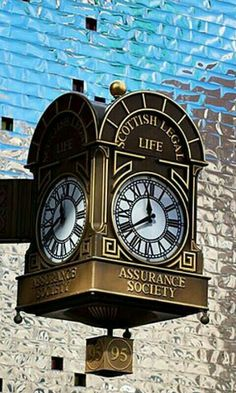 Old Clocks, Antique Clocks, Sistema Solar, Outdoor Clock, Father Time, As Time Goes By, Time Clock, Radios, Street Signs