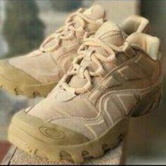 Sepatu outdoorkets harga:405.000. Ukuran 39-45.keren loh