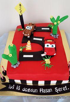 Butik Pasta Kurabiye Makaron: Şimşek McQueen Pasta (Lightning McQueen Cake)