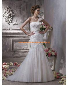 Romantisches und Uniques Brautkleid im Meerjungfrauenstil mit Spitze Einschulter 2013