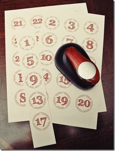 Free printable numbers  for advent calendars, etc.---Going to cut these out and put them on envelopes and hang on wall for my advent calendar this year! Now just have to find ornaments small enough for envelopes!
