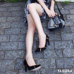 Existe um vazio na minha alma que apenas sapatos novos podem preencher.  Scarpin da nova coleção #tanarabrasil! #shoesfirst