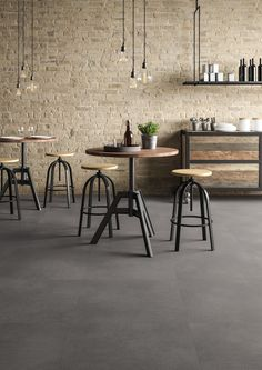 Bike Discover With the subtle effect and cool look of solid worn concrete Moduleo 55 Hoover Stone LVT is a great fit for industrial and artisan interior schemes. Concrete Look Tile, Concrete Kitchen, Concrete Floors, Brick Interior, House Paint Interior, Interior Design, Farmhouse Flooring, Kitchen Flooring, Stone Flooring