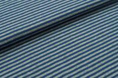 Feines hochelastisches Bündchen mit Streifen. Es ist angenehm zu tragen und in bester Qualität gefertigt. Das Bündchen ist ein Strickschlauch mit einer Breite von 35 cm – aufgeschnitten ist es 70 cm breit. Der Preis bei Stoffen bezieht...