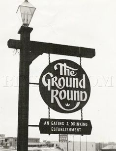 The Ground Round Restaurant. Back in the day, they played cartoons on the wall and we threw our peanut shells on the floor. Ground Round Restaurant, Best Memories, Childhood Memories, Travel Memories, The Ground Round, Vintage Restaurant, Vintage Diner, Vintage Stuff, Café Bar