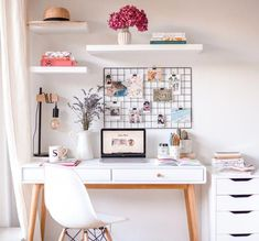 My office corner, ideal for small spaces - Sophie& Moods Mon coin bureau, idéal pour les petits espaces – Sophie& Moods My office corner, ideal for small spaces – Sophie& Moods Home Office Space, Home Office Design, Home Office Furniture, Home Office Decor, Home Decor, Office Designs, Furniture Dolly, Small Office, Ikea Furniture