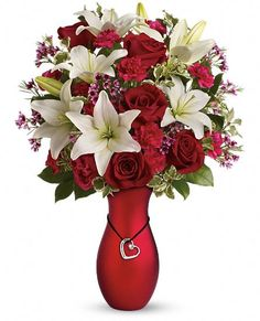 I have this vase!!! Use it for Christmas without the charm abd with charm for v-day