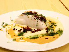 Torkrygg med pancetta, potatis- och rotselleripuré, hemgjord skaldjursfond och dillolja. En riktig festmåltid!