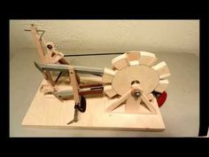 Wood Crafts, Diy And Crafts, Marble Machine, Woodworking Projects For Kids, Kinetic Art, Mechanical Design, Wood Toys, Pallet Projects, Wood Carving