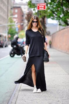 ~*~ big black sweater and white sneakers