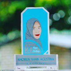 Plakat Acrylic Karikatur 110k Desain karikatur / Mozaik Only 50k  Instagram @baidowi.jt Line/wa 085856660151  Free ongkir Bangkalan & Surabaya