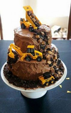 Construction Zone Boys Birthday Cake Beware… This Birthday Cake is Currently Under Construction. Part of Art & Home's curated collection of over 55 Amazing, Cool & Beautiful Birthday Cakes Dump Truck Cakes, Truck Birthday Cakes, Birthday Cupcakes, Dump Trucks, Birthday Cakes For Boys, Digger Birthday Cake, 2nd Birthday, Tow Truck, Food Truck Desserts