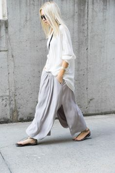 Chic Style - baggy white shirt, floaty skirt & sandals