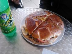 Mega Churrasco Completo y Limón Soda  (Donde el Panzón / Santiago / Chile).