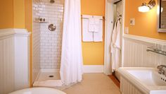 Snapdragon Inn: Enjoy L'Occitane bath products, spa robes and radiant-heat floors in the bathrooms.