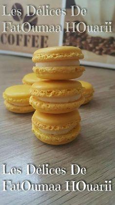 Coques Macarons Meringue Française RECETTE ICI Ganache Citron Ingrédients : 150 gr de Chocolat Blanc ...