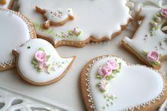 Bridal Shower Cookies via Cookie Connection Bird Cookies, Fancy Cookies, Vintage Cookies, Flower Cookies, Valentine Cookies, Cute Cookies, Royal Icing Cookies, Easter Cookies, Cupcake Cookies