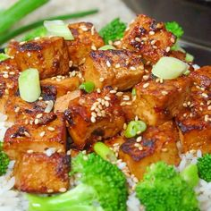 Asian Garlic Tofu Asian Garlic Tofu cooks up crispy with tons of salty, sweet, and spicy flavor. Serve with broccoli and rice for a fantastically delicious vegetarian meal.<br> Asian Garlic Tofu is a vegetarian meal full of salty, sweet, and spicy flavor. Tasty Vegetarian Recipes, Vegan Dinner Recipes, Whole Food Recipes, Cooking Recipes, Healthy Recipes, Cooking Games, Garlic Recipes, Oven Cooking, Cooking Torch