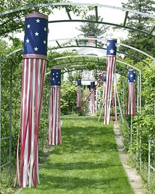 Tons of great 4th decoration ideas and some you can adapt for other seasons or just for fun too.