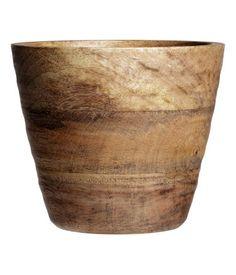Lysebrun. Krukke i træ. Højde 12 cm, diameter foroven 12 cm.
