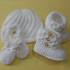 Pink And White Crochet Baby Booties By T - maallure Baby Booties Knitting Pattern, Knit Baby Booties, Booties Crochet, Baby Hats Knitting, Crochet Baby Shoes, Crochet Slippers, Baby Knitting Patterns, Crochet Patterns, Hat Crochet