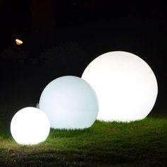 Fabulous Set Kugelleuchten f r den Au enbereich Au enbeleuchtung Gartenbeleuchtung