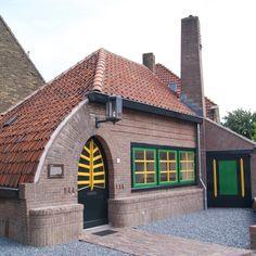 Art Nouveau, Art Deco, Amsterdam School, Brickwork, Interior Architecture, Building A House, Beautiful Places, Exterior, Modern Houses