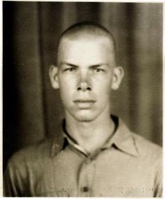 """wehadfacesthen: """" Lee Marvin in 1942 when he enlisted in the US Marine Corps. After the war, he got a job as a plumber's assistant at a community theater. One day he was asked to replace an ill cast member, and he discovered he enjoyed acting. Young Celebrities, Beautiful Celebrities, Celebs, Cat Ballou, Joining The Marines, Lee Marvin, Vintage Photo Booths, Star Wars, Tough Guy"""