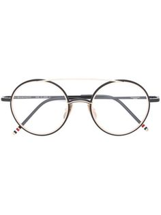 a90e01fade3 You ll find a great selection of designer glasses frames online. Search the  best women s designer glasses frames from over 2000 designers at Farfetch