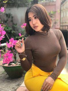 Stunning Girls, Beautiful Asian Women, Beautiful Celebrities, Amazing Women, Long Dress Fashion, Fashion Dresses, Myanmar Women, Curvy Women Fashion, Sexy Asian Girls