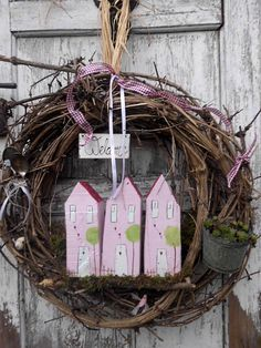 Großer+Türkranz+von+*Haus+No.7*+auf+DaWanda.com Craft Projects For Adults, Diy Craft Projects, Easy Diy Crafts, Diy Crafts To Sell, Christmas Deco, Christmas Wreaths, Candy Wreath, Door Wreath, Easter Garland