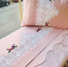 Elegant Home Decor, Elegant Homes, Crochet Pillow, Crochet Lace, Ribbon Embroidery, Embroidery Designs, Designer Bed Sheets, Wedding Plates, Beautiful Bedrooms