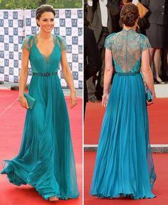 onde encontrar? sou apaixonada por esse vestido, corte, tecidos, cor... ah...