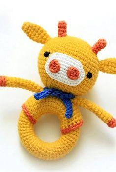 Giraffe baby rattle crochet pattern