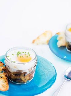 Egg with Mushroom Cups Recipes Bacon, Ricardo Recipe, Mushroom Chicken, Egg Recipes, Recipe Of The Day, Smoothies, Panna Cotta, Stuffed Mushrooms, Pudding